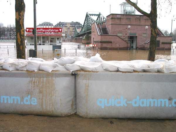 QUICK-DAMM Hochwasserschutz-System